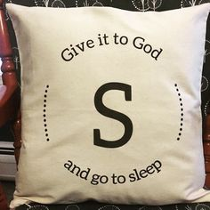 Love the endless possibilities with Thirty-One\'s personalization options on the pillows! #pillow #perfectgift #housetohome