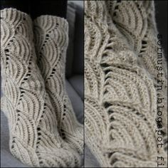 Pomatomus-sukat Knitting Charts, Knitting Socks, Cool Socks, Awesome Socks, Happy Socks, Boot Cuffs, Leg Warmers, Crochet Projects, Knit Crochet