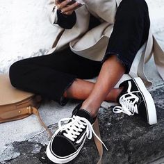 It's an Old Skool's kind of day today with a little style inspo from @andicsinger! Feel like mixin' things up? They've also just arrived in Blue Floral, Pastel Lilac and All Black. Head instores or online now to get yours. #gluestore #vans #vansaustralia