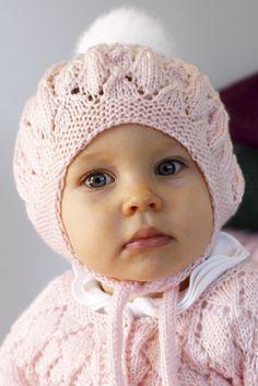 Vauvan pitsineulemyssy 70 cm Novita Ipana | Novita knits