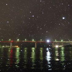 【misakiboy】さんのInstagramをピンしています。 《#雪 の #城ヶ島大橋 #snow #海 #sea #こんばんわ#夜#night #nightview #0113 #土曜日#Saturday  #sony #cybershot #rx100m3 #フラッシュ》