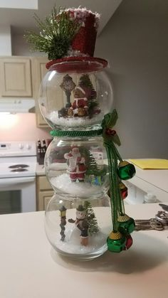 Discover thousands of images about Fishbowl snowman christmas decoration to make! Such a cute craft for winter. Dollar Tree Christmas, Christmas Snowman, Christmas Ornaments, Diy Christmas, Grapevine Christmas, Snowman Wreath, Pumpkin Wreath, Outdoor Christmas, Ornament Wreath