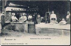 Türk Lokantası - 1890'lar. Fotoğrafın alt kısmında Fransızca '' Türk lokantası '' yazıyor