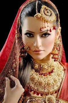 new Pakistani bridal makeup look 2015 Pakistani Bridal Makeup, Indian Bridal Wear, Asian Bridal, Bride Indian, Makeup Looks 2015, Bridal Makeup Looks, Wedding Makeup, Bride Makeup, Wedding Bride