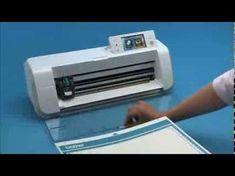 Découvrez avec ce tutoriel vidéo comment faire une coupe directe dans votre papier à l'aide de la machine ScanNCut de Brother. Vous aurez besoin pour cela de...