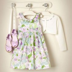 A pretty little #Alice Airbean in Orchid would make this sweet outfit complete!