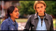 Keira Knightley in Bend It Like Beckham - Picture 29 of 53