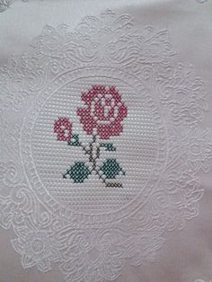 # Color advice # Style advice with www.farben-re – Embroidery Desing Ideas Border Embroidery Designs, Embroidery Stitches, Crochet Bedspread, Chrochet, Fashion Advice, Cross Stitch, Arts And Crafts, Color, Style