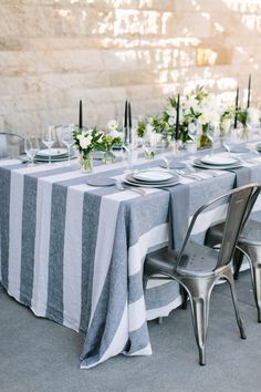 A party you can't miss! http://www.stylemepretty.com/living/2015/11/02/a-modern-fall-dinner-party-with-an-unexpected-color-palette/ | Photography: Megan Clouse - meganclouse.com