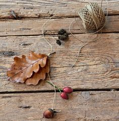 Herbst-Mobile für das Fenster Mobiles, Crafts To Make, Stud Earrings, Pendant, How To Make, Jewelry, Blog, Home, Preschool Crafts