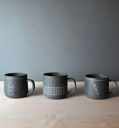 Artistic Coffee Mugs 16 Delightful DIY Coffee Mugs For Morning Porcelain Mugs, Ceramic Cups, Ceramic Pottery, Sharpie Mug Art, Coffee Facts, Diy Mugs, Unique Coffee Mugs, Cute Mugs, Mugs Set