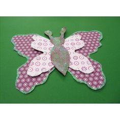 Einen wunderschönen Schmetterling basteln | mit Motivkarton besondere Bastelergebnisse erzielen