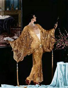 Actress Olive Borden wearing a gold lamé coat, 1927 Vintage Dresses, Vintage Outfits, Vintage Fashion, 1920 Dresses, 1920s Fashion Dresses, 1920s Fashion Women, Art Deco Fashion, High Fashion, Fashion Design