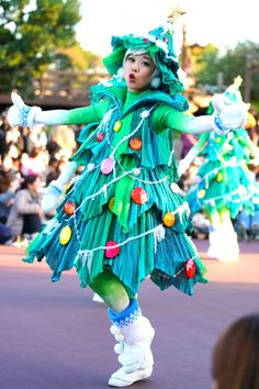 Disney Christmas Parade, Christmas Ghost, Christmas Fancy Dress, Christmas Sewing, Christmas Mood, Christmas Fashion, A Christmas Story, Grinch Costumes, Disney Costumes