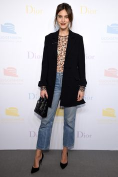 The Outfit Formula Alexa Chung Wears on Repeat On Alexa Chung: Christian Dior Pre-Fall 2016 blazer; Head to the comments to let us know what you think of the look then shop more pieces Alexa Chung would… Blazer Jeans, Look Blazer, Outfit Jeans, Look Fashion, Street Fashion, Winter Fashion, Fashion Jeans, Fashion Outfits, Tokyo Fashion