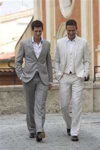 Groom and groomsmen: suit up!