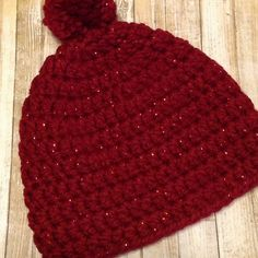 ❤️Love is in the air!❤️ Ready to ship Valentine's Day sparkly Beanie! Made with soft chunky yarn to keep you warm and cozy!❤️