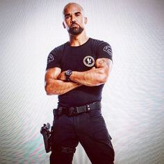 """51.4 k mentions J'aime, 564 commentaires - Shemar Moore (@shemarfmoore) sur Instagram : """"HONDO!!!!!! Just a matter of time.... HE'S COMING!!!! S.W.A.T. 2017 for CBS/SONY TV I BELIEVE IN…"""""""