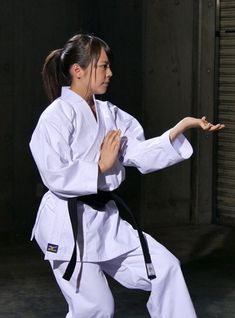 Taekwondo Girl, Karate Girl, Female Martial Artists, Martial Arts Women, Aikido, Kempo Karate, Indian Yoga, Shotokan Karate, Boxing Fight
