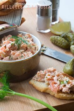 Rillette z lososia Składniki na 5 porcji: Snack Recipes, Healthy Recipes, Snacks, Healthy Food, Appetizer Dips, Tasty Dishes, Pasta Salad, Potato Salad