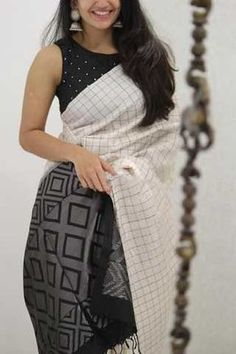 Innovative White and Black Colored Soft Silk Party Wear Saree - Black Things black color kanchipuram saree Indian Blouse Designs, Saree Blouse Neck Designs, Fancy Blouse Designs, Saree Blouse Patterns, Dress Patterns, Kerala Saree Blouse Designs, New Saree Designs, Sari Design, Diy Design