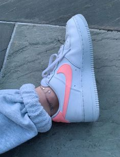 aesthetic shoes nike Nike Shoes OFF! Sneakers nike Shoes Sneakers Tenis nike New shoes Nike cortez sneaker - VSCO relatablemoods Images - Cute Sneakers, Shoes Sneakers, Jordans Sneakers, Women's Shoes, Sneakers Fashion, Fashion Shoes, Fashion Outfits, Nice Outfits, Fashion Fashion