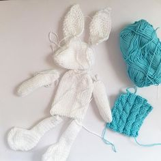 Hmm I wonder who this can be a few of them in the making ..#happytuesday#nodnook #handknit#imadethis#etsyuk#smallbizatuk#shopetsy#handknit#knittedbunnies#imadethis