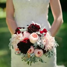 Bouquets with peachy pink, blush and burgundy