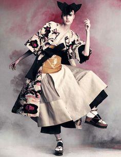 Christian Arp styles Vanessa Moody photographed by Iango Henzi and Luigi Murenu for Vogue Germany April 2015 Fashion Moda, Kimono Fashion, Ethnic Fashion, Fashion Shoot, Editorial Fashion, Fashion Art, Fashion Design, Luigi, Moda Kimono
