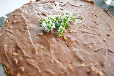 Hämmentäjä: Snickers-kakku Yams, Food, Desserts, Tailgate Desserts, Deserts, Essen, Postres, Meals, Dessert