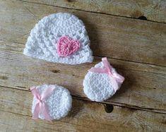 Crochet Baby Hat, Newborn Photo Prop, Baby Heart Hat, Baby Girl Hat, Handmade Newborn Baby Hat, Hat with Heart, Baby Hat, Baby Mittens