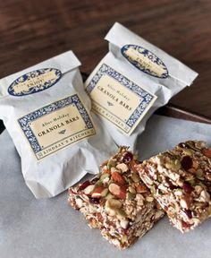 After Holiday Granola Bars Party Inspiration Packaging For Granola Bars Biscuits Packaging, Bakery Packaging, Food Packaging Design, Healthy Bars, Healthy Treats, Healthy Shakes, Eating Healthy, Clean Eating, Bar Gifts