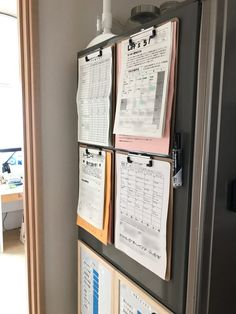学校お便り・プリントの整理術と,オススメのマグネット | Okaeri I Heart Organizing, Simple Life Hacks, Closet Organization, Clean Up, Room Interior, Declutter, Diy And Crafts, Kids Room, Stationery