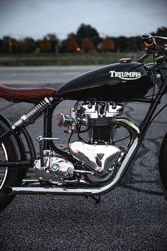 """1960 Triumph TR6 –""""The Gasbox"""" R. Side"""