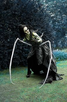 Cosplay done well: The Other Mother from Coraline<<< Oh my God, nightmares