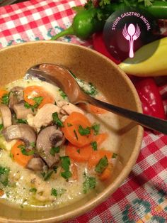 Legényfogó leves | Sylvia Gasztro Angyal Thai Red Curry, Healthy Life, Soup, Cooking Recipes, Ethnic Recipes, Healthy Living, Chef Recipes, Soups