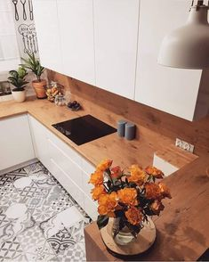 Love the tiles in this kitchen - Cuisine Ouverte Ilot Boho Kitchen, Home Decor Kitchen, Kitchen Interior, Home Kitchens, Kitchen Dining, Kitchen Tiles, Small Space Interior Design, Interior Design Living Room, Cuisines Design