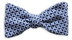 Querbinder Young People & Hope blau – Zena Millan – handcrafted bow ties
