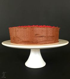 Ever since my children started at Kindergarten I have been made aware of the idea of baking Chocolate Cake with Beetroot. It has been on my to do list for ages so today I thought Beetroot Chocolate Cake, No Bake Chocolate Cake, Dark Chocolate Chips, Baking Chocolate, Poke Cake Banana, Vanilla Icing, Cocoa, Cake Recipes, Cooking