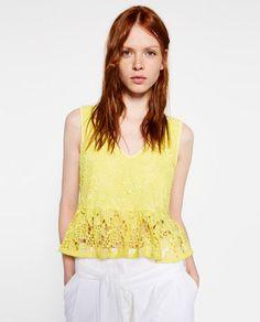 Imagen 2 de TOP GUIPUR PEPLUM de Zara