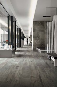 Porcelain wood effect ceramic (porcelain stoneware): Styletech