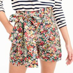 J.Crew Tie-Waist Short ($100) ❤ liked on Polyvore featuring shorts, floral print shorts, floral shorts, floral printed shorts, j crew shorts and floral pattern shorts