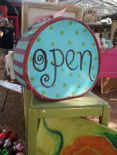 Adorable Open sign Closed Signs, Open Signs, Boutique Decor, Boutique Ideas, Love Trailer, Product Ideas, Display Ideas, Trailers, Creativity