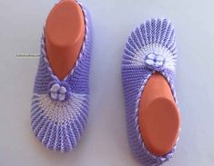 İki Şiş İle Haroşalı Kolay Patik Yapımı Hat Tutorial, Crochet Handbags, Crochet Slippers, Knitting Socks, Lana, Knitting Patterns, Baby Shoes, Sewing, Clothes