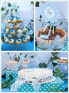 desserttafel communie met taarten en cupcakes