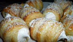 Domácí kremrole   recept na minikremrole z listového těsta French Toast, Bread, Dishes, Baking, Breakfast, Sweet, Desserts, Food, Essen