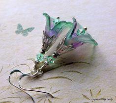 Lucite Flower Earrings Victorian Earrings by EnglishVintageDesign