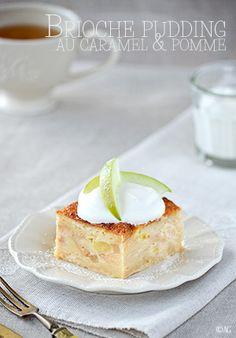 Brioche pudding au caramel & pomme J'adore le pudding de pain ! Facile à faire, économique et tout le monde adore :-) Du pain trempé dans du lait s'il est sec, un flan, des fruits type pomme, du Calva et cannelle dans ce cas, un peu de crème fraîche et c'est excellent !