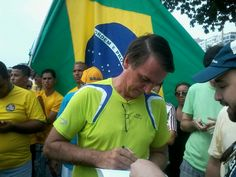 Bolsonaro é vaiado e impedido de discursar em protesto contra governo Dilma em Copacabana - Notícias - R7 Rio de Janeiro