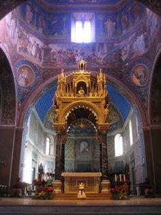 Ciborium of the Duomo di Sant'Emidio, Ascoli Piceno, Italy    See site for discussion of restoration of 1895
